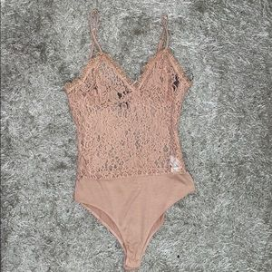 Floral Lace Bodysuit - Forever 21